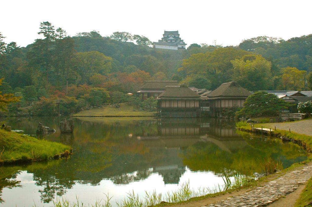 Un jardin seigneurial dans le Japon de l'époque d'Edo : dispositif et paysage du Genkyūen de Hikone