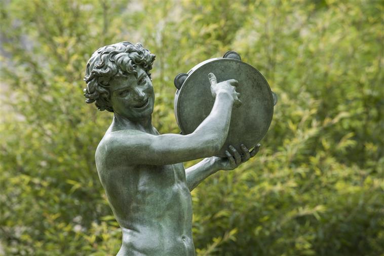 Visite guidée « Fêtes en plein air à Fontainebleau »